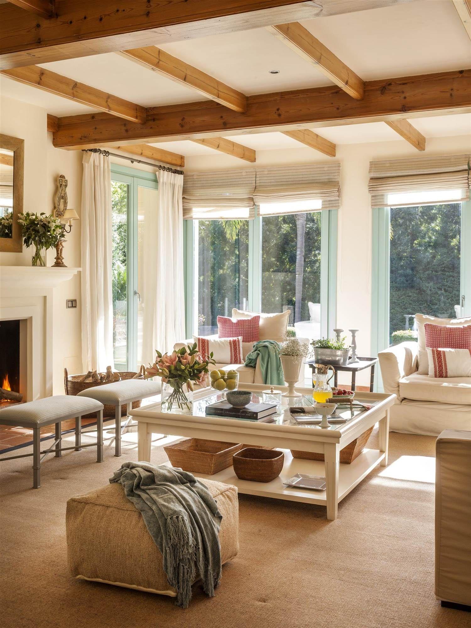 El abrazo de la madera salones vigas decorativas - Chimeneas decorativas en madera ...