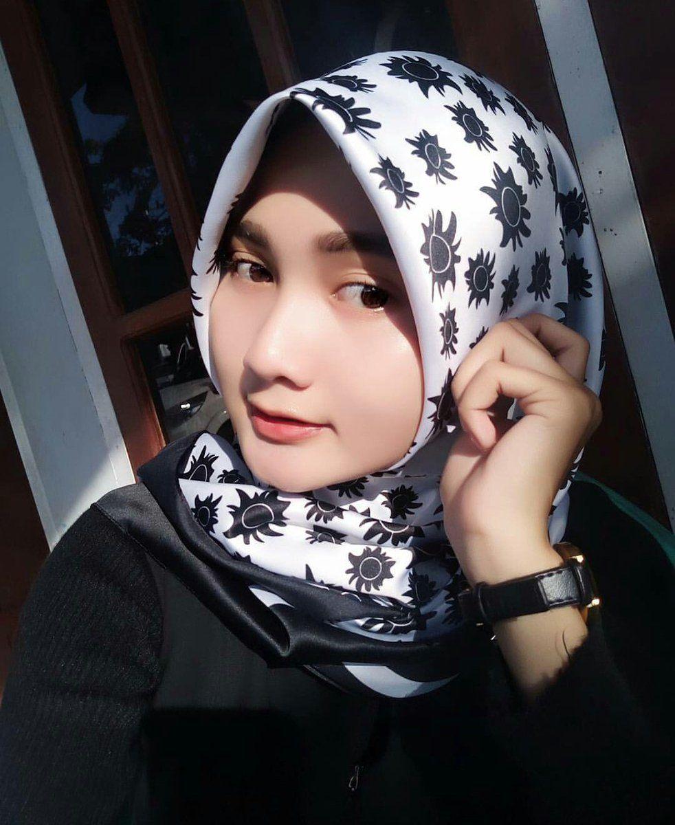 hijabi kekinian #hijabikekinian | Jilbab cantik, Wanita, Hijab