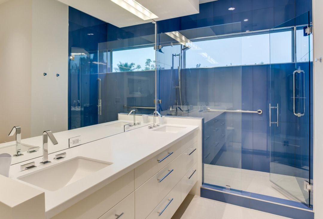 Idee di bagno in blu e bianco bagni bagno