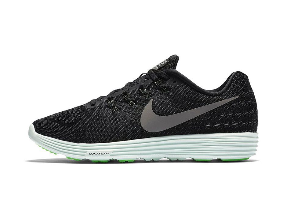 promo code b5ee2 7bd38 Nike Lunar Tempo 2  Midnight    Sneakers  Nike Lunartempo   Pinterest   Nike  running