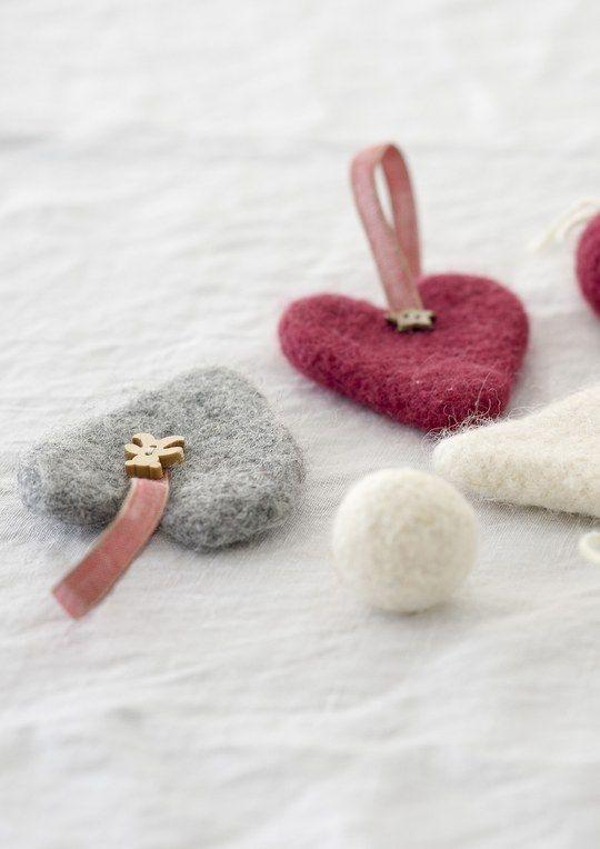Huovutetut sydämet Novita Joki | Novita knits