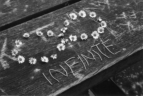 Pin By Rosella Galvez On Infinity Black And White Symbol Love Tumblr Photography