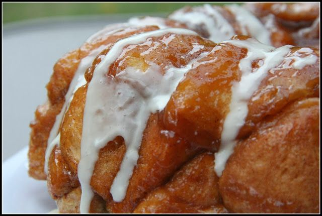On the 2nd Day of Christmas: I made a yummy Egg Nog Monkey Bread! | Mix and Match Mama