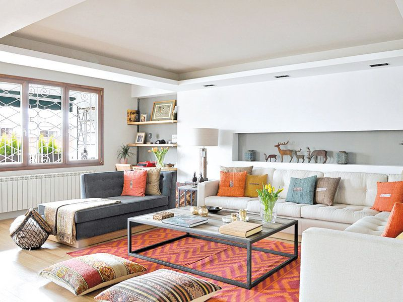 Un apartamento con decoración industrial Living rooms and Room