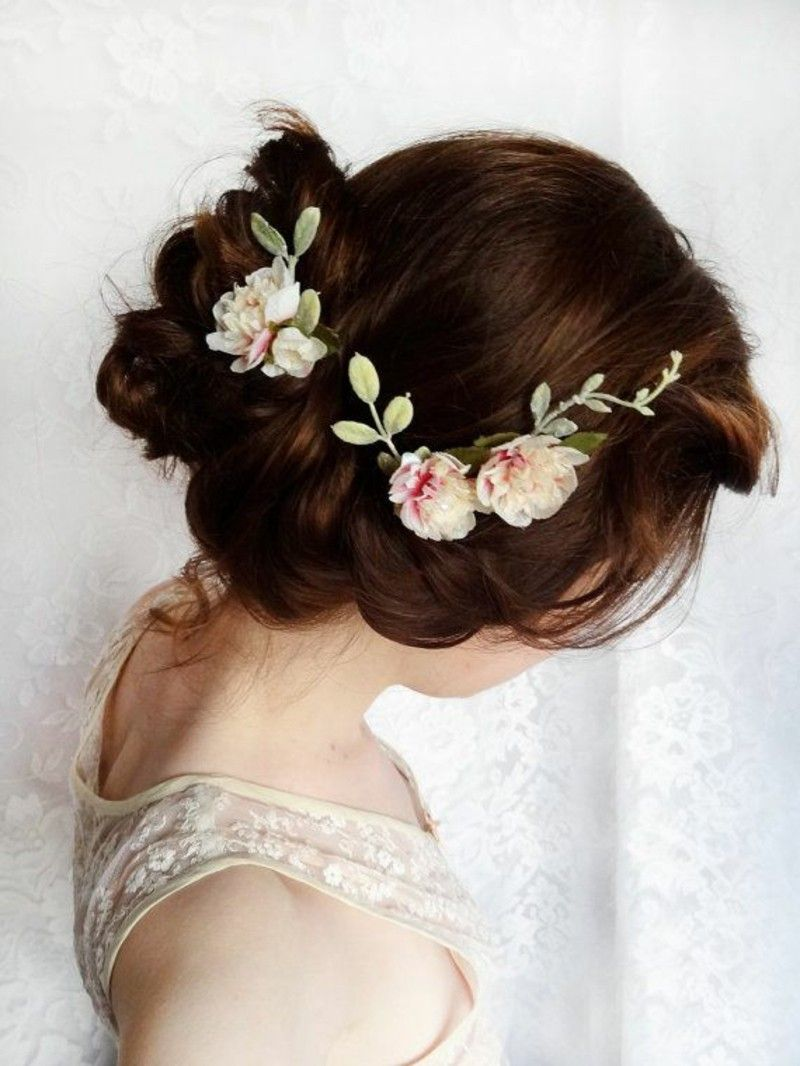 wedding-bridal-hairstyles-long-hair-hair-accessories-flowers