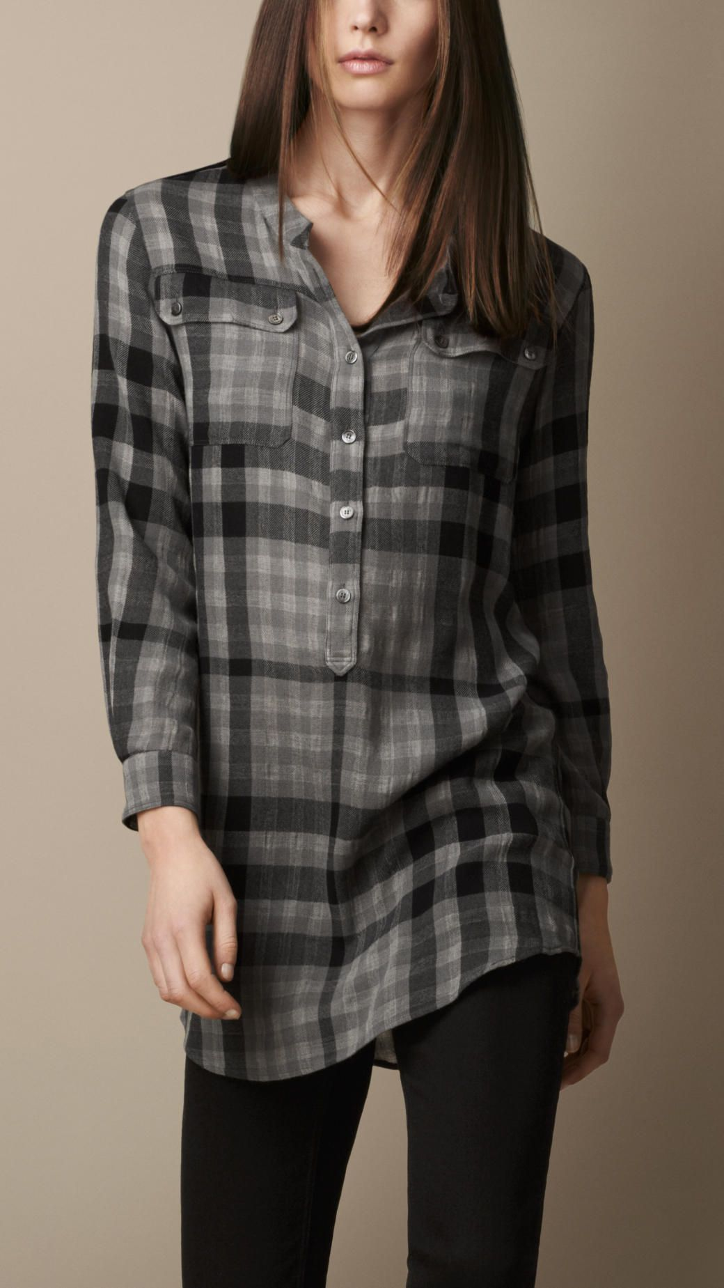 d1dad12b6bd4 Vêtements pour femme   Burberry   Because there is always a gray ...