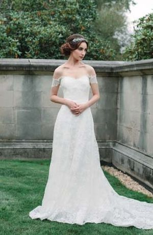 Sweetheart Sheath Wedding Dress With Natural Waist In Lace Bridal