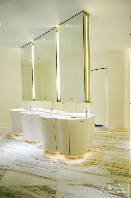 Are You Looking For A Luxury Washbasin You Can Find Them At Maisonvalentina Net Restroom Design Interior Design Restroom Washroom Design