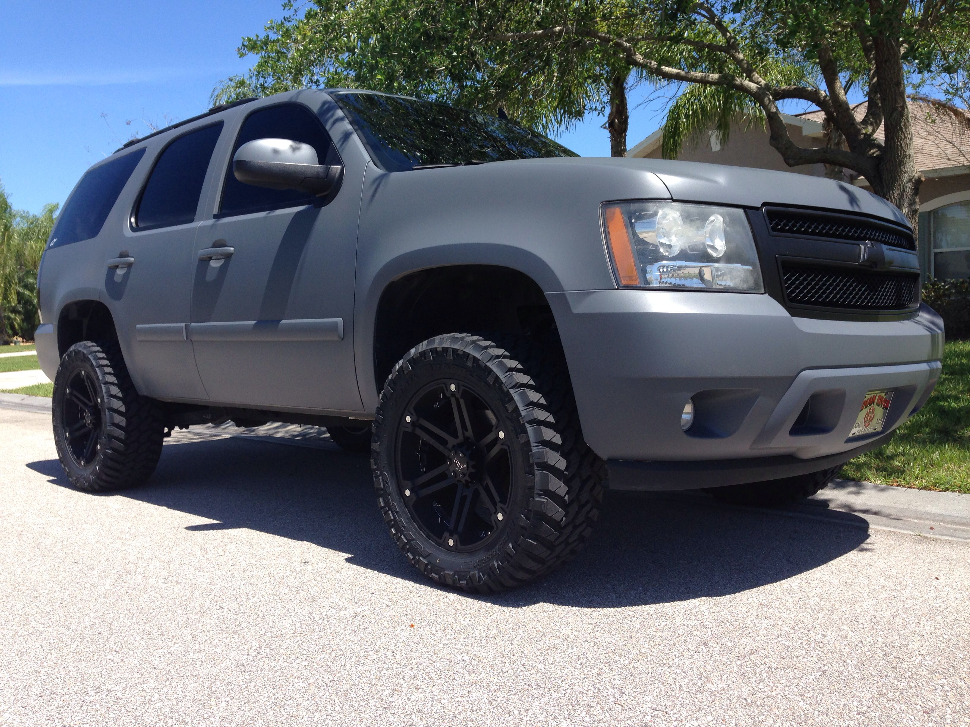 This is what i want to do to my tahoe cars i love pinterest chevy cars and grill guard