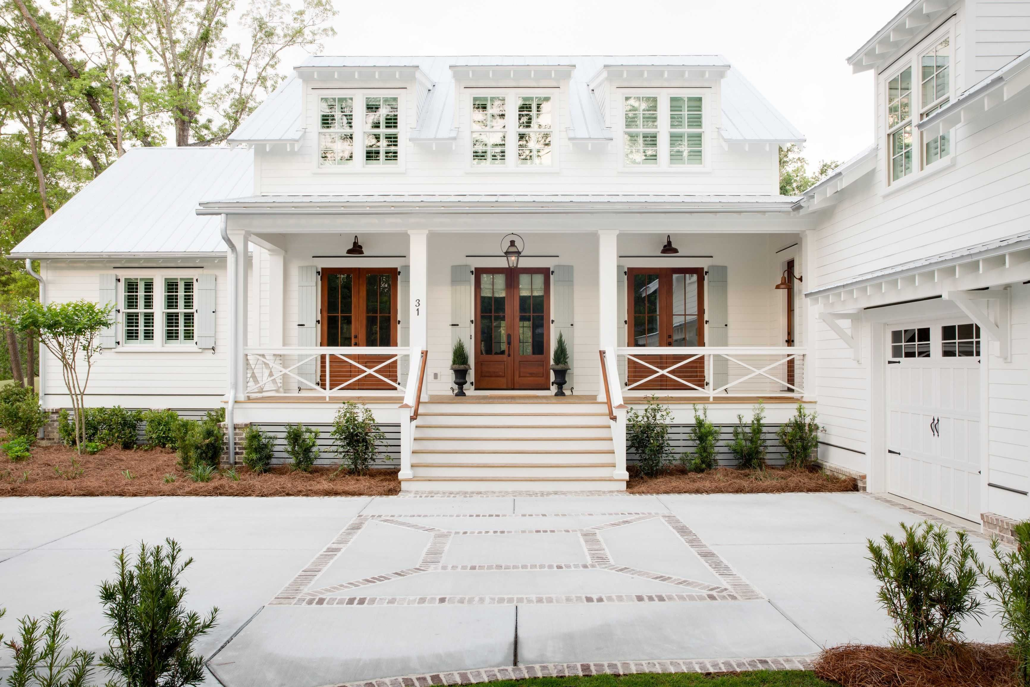 Low Country Farmhouse Exterior Beautiful Low Country Farmhouse Exterior Low Country House P Modern Farmhouse Exterior House Designs Exterior House Exterior