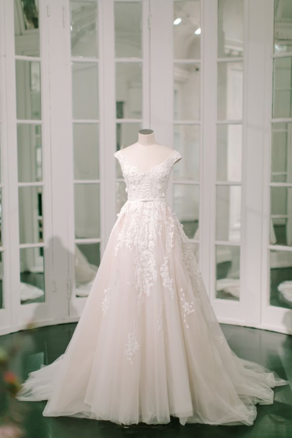 Style Me Pretty Weddings | The Wedding Dress Of Your Dreams Is In Elie Saab S Spring 2018