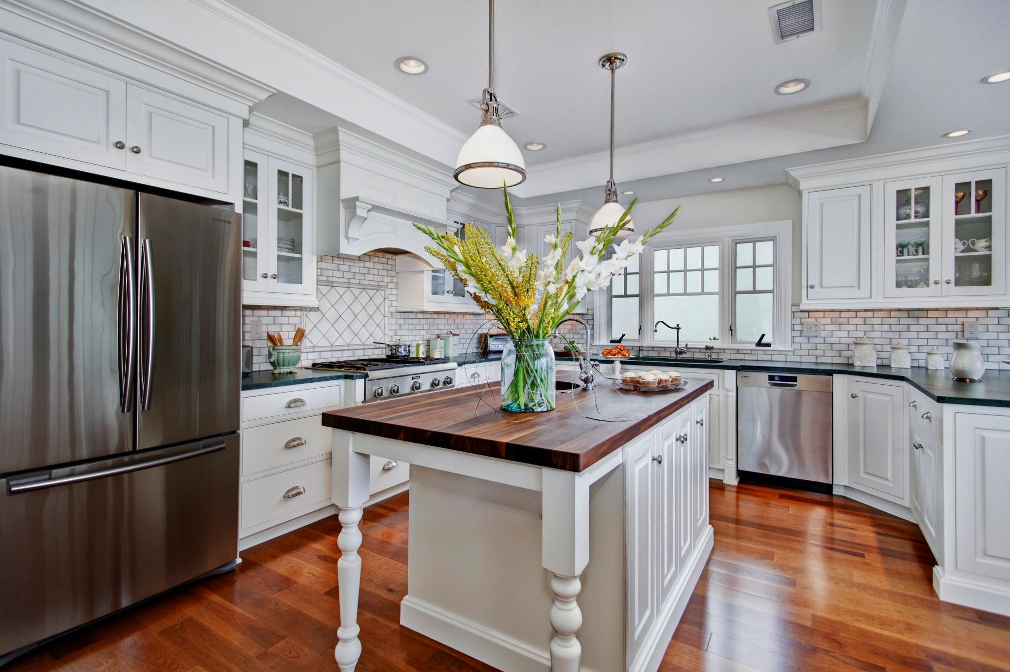 Best Kitchens 2015  Popular Kitchen Cabinet Styles With U Form Simple Kitchen Designers San Diego Decorating Inspiration
