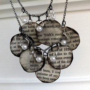 cr er un collier au look r tro avec un vieux livre artisanat de bijoux collier tutoriel et