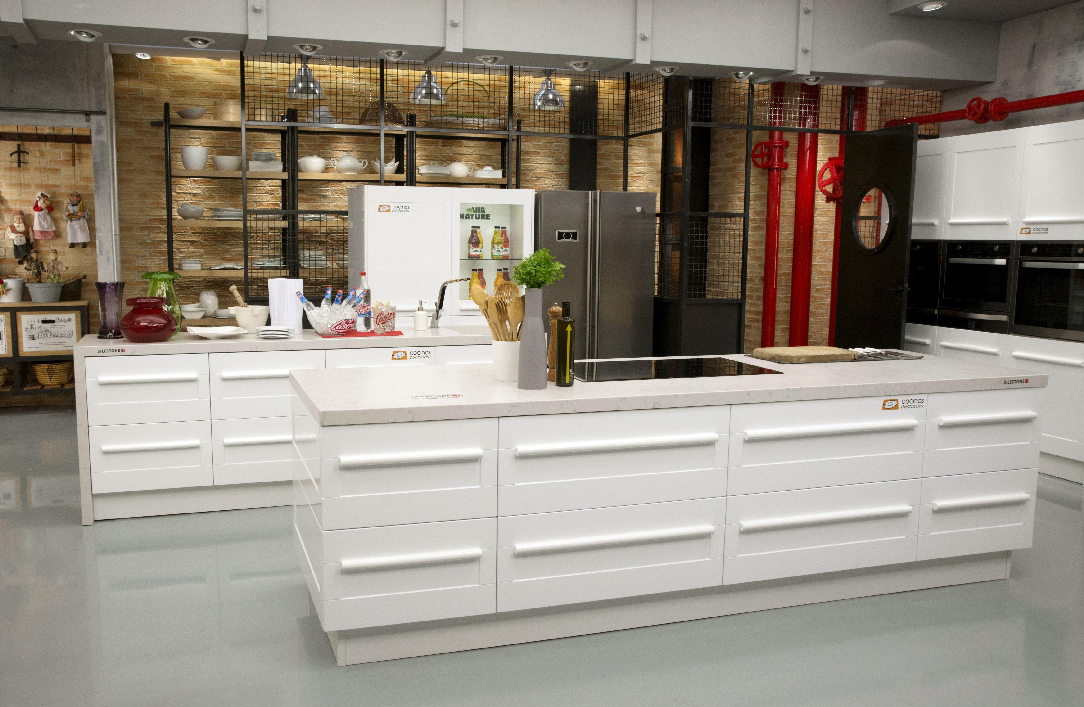 La nueva cocina de Karlos Arguiñano, la tercera que Cocinas.com ha ...