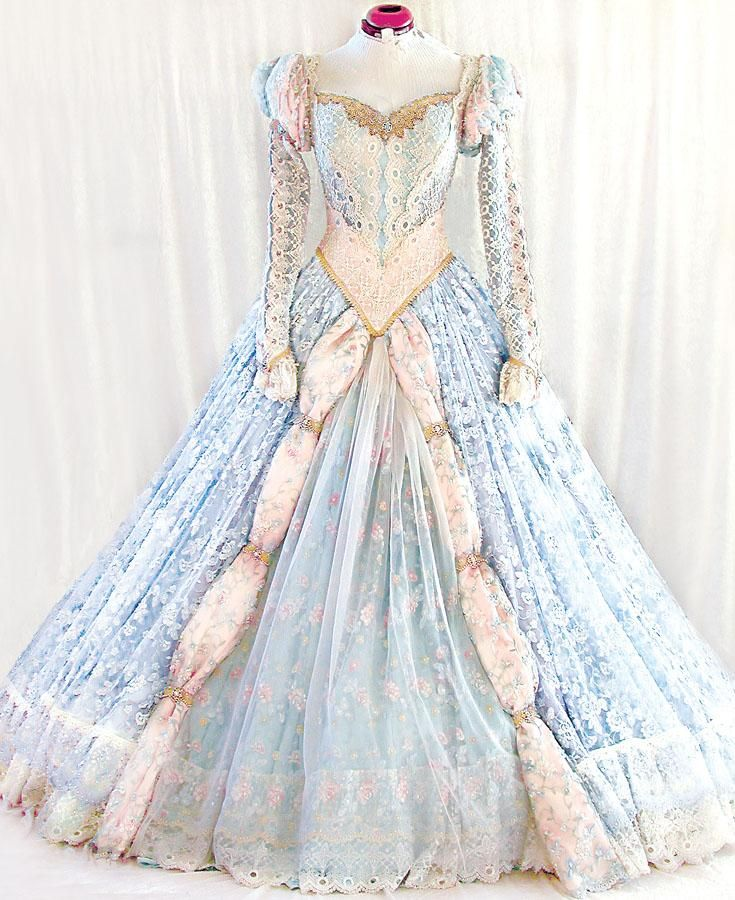 The most beautiful Cinderella-style gown I have ever seen. The creator of this gown is so talented. Formal;fashion;prom;wedding;fantasy;fairytale;costume