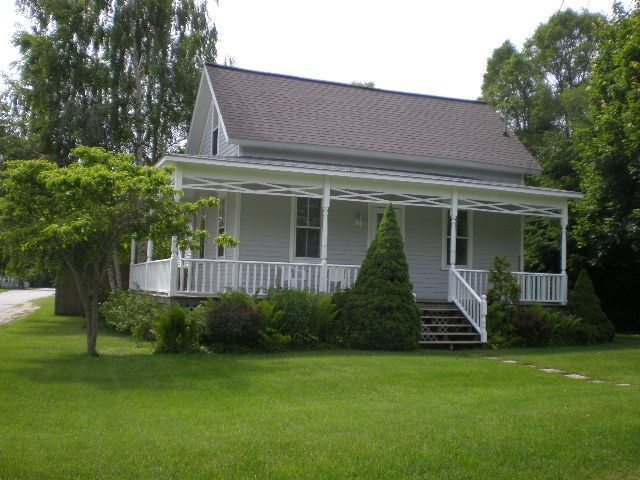 cottage vacation rental in onekama mi usa from vrbo com vacation rh pinterest com