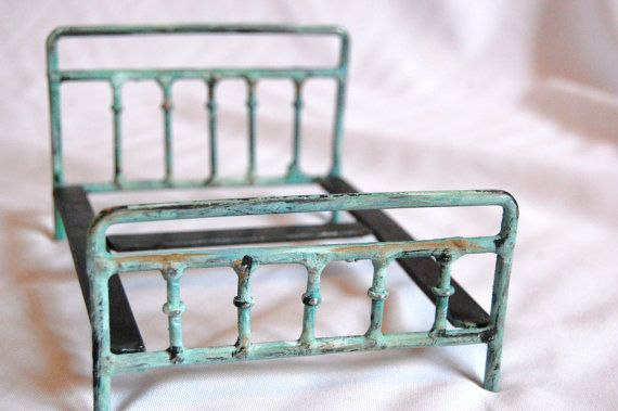 1 12 Scale Miniature Metal Doll Bed Shabby Chic Style Etsy Doll Beds Dollhouse Decorating Doll Furniture