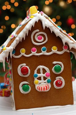 Sugar & Spice by Celeste: A Gingerbread House...Just for Christmas!