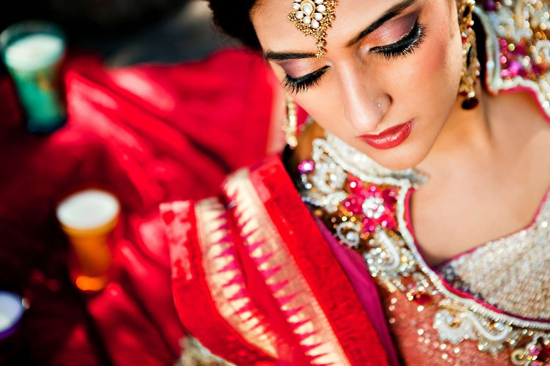 Indian Bride Wallpaper Bridal Makeup Tips Indian Bride Makeup Bride Makeup