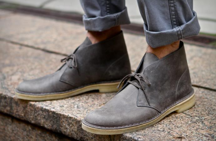 Legendary shoes inspired by the boots worn by British soldiers in the Second World War - CLARKS DESERT BOOTS. Check them out on jebiga.com
