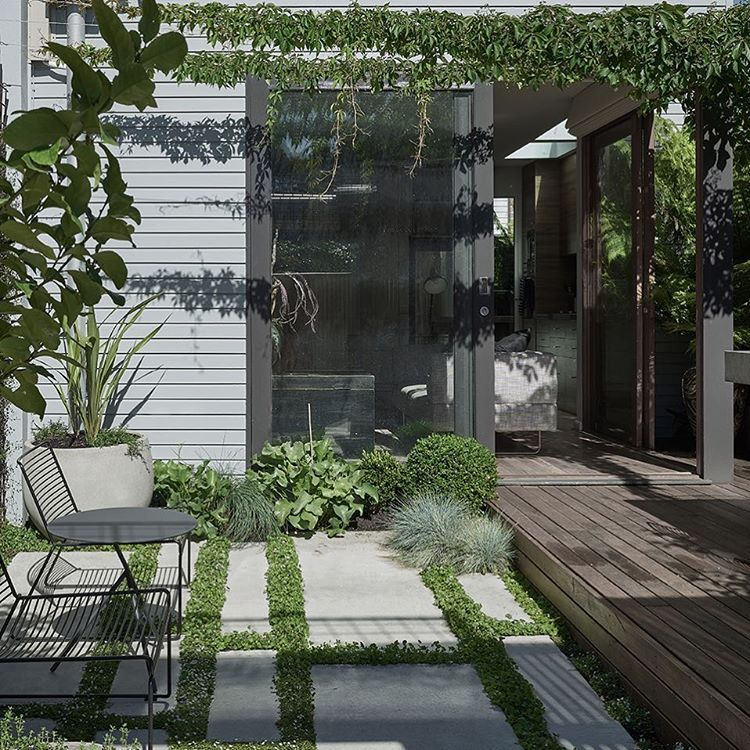 How Do You Hide A Car Park Space In A Courtyard Simple Like This Courtyard Design Urban Courtyards Outdoor Design