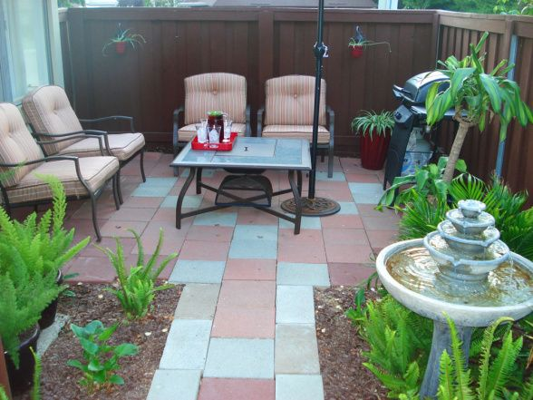 Small condo patio design ideas small patio makeover for Pinterest small patio ideas