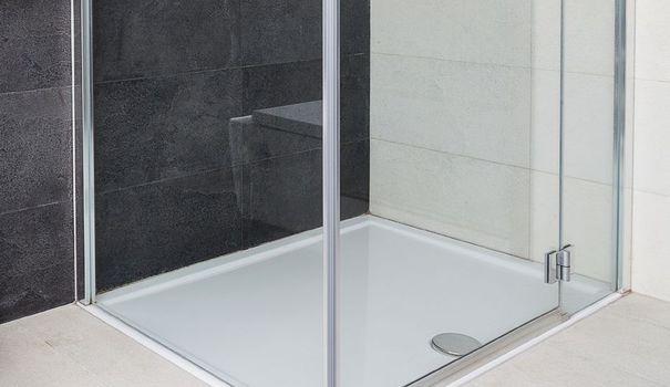comment d boucher une douche pratique d boucher. Black Bedroom Furniture Sets. Home Design Ideas