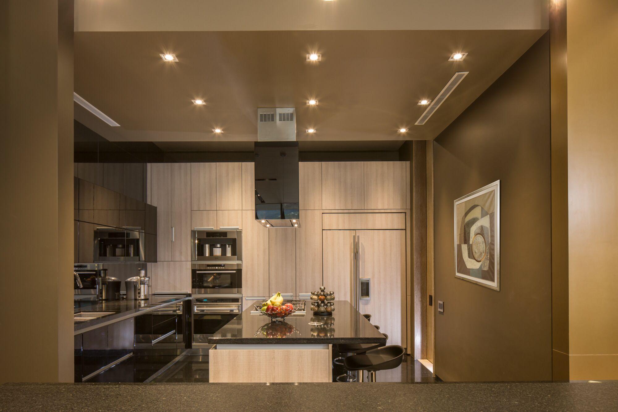 Muy pronto podrán conocer uno de nuestros últimos proyectos en nuestra página de internet www.linea-vertical.com y en Facebook /lineavertical.info #interiordesign #architecture #design #kitchen #topdesign
