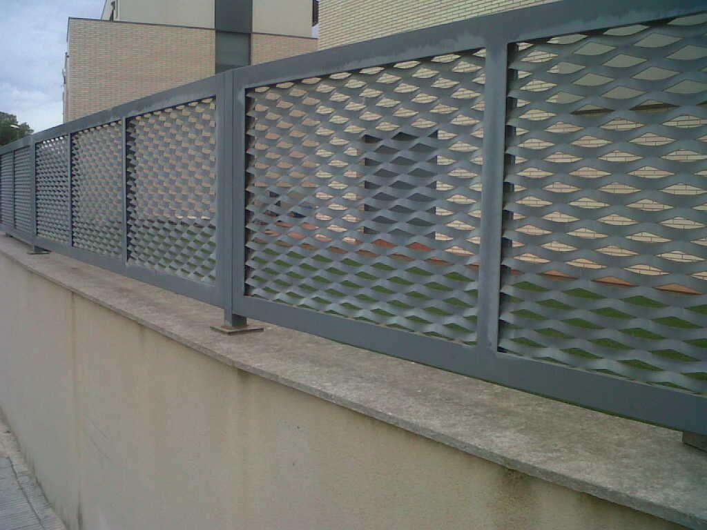 Pin by vinuesa vallas y cercados on verja residencial de - Vallas para casas ...