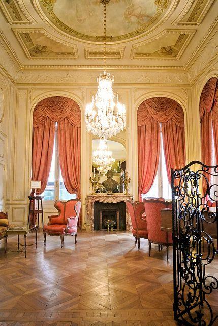 H tel regina pinterest cortinas clasicos y hoteles for Hoteles diseno paris