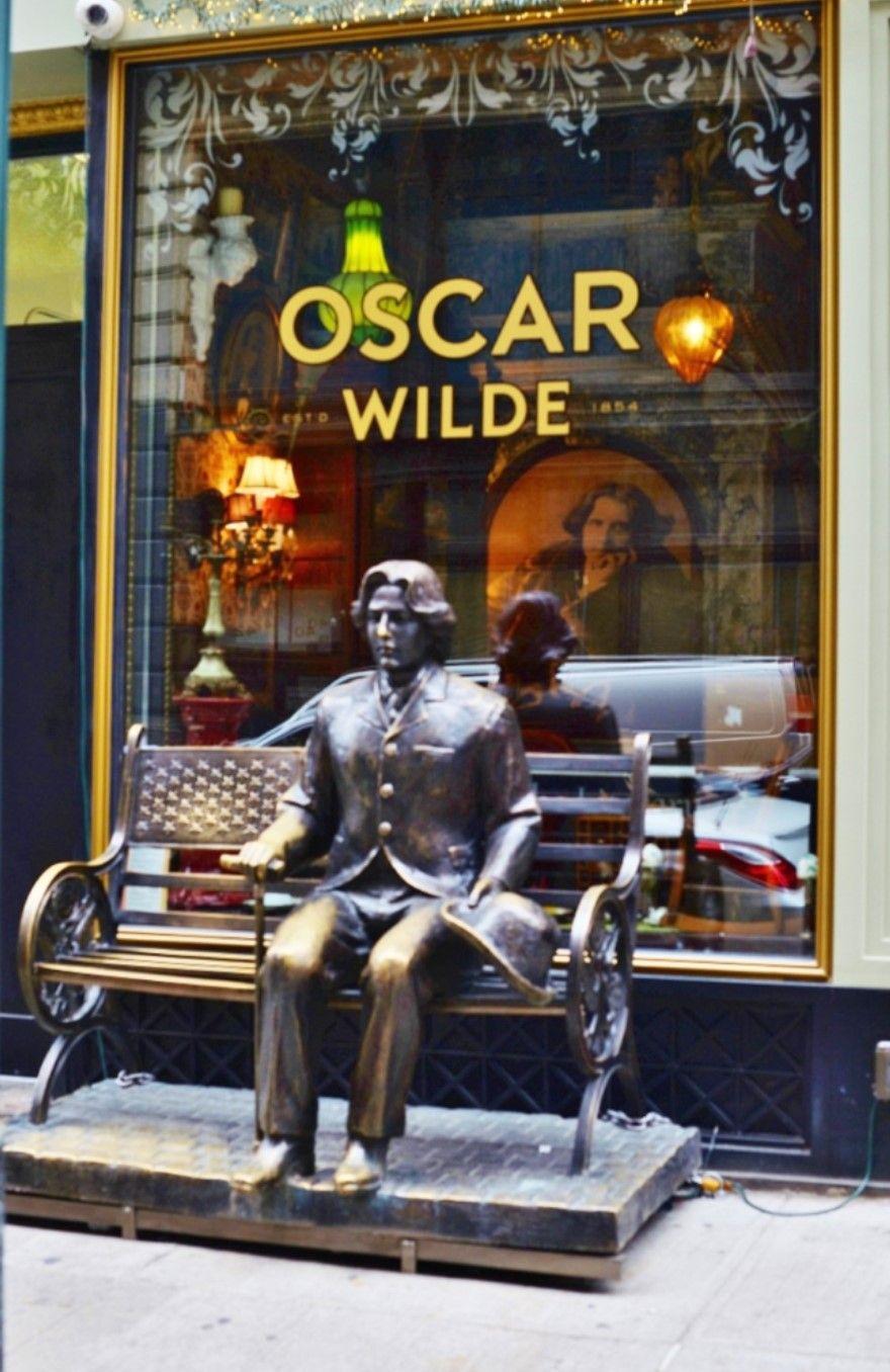 Oscar Wilde Restaurant and Bar