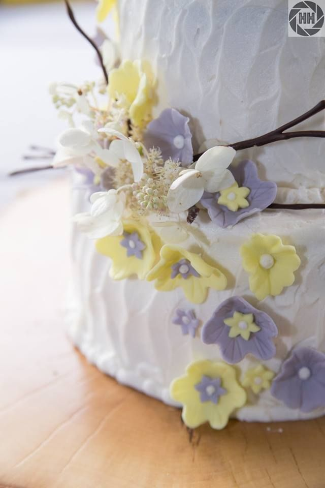 Cake By DKB Catering Photo Credit Double H Destination Weddings Moosehead Lake