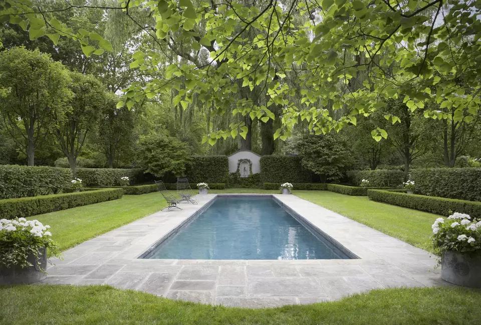 Swimming Pools: Discover 27 Winning Ideas for Rectangular Designs #poolimgartenideen