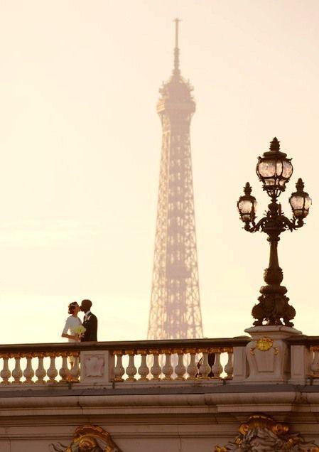 Romance In Paris Manhattan Girl Med Billeder Eiffeltarnet