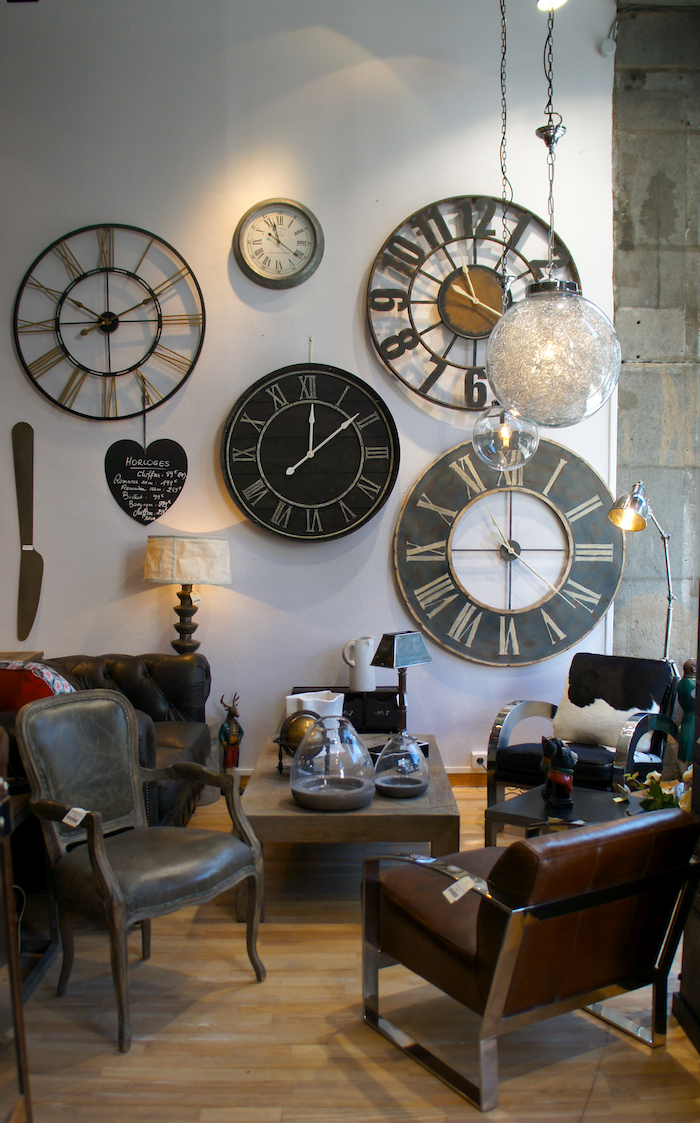 Horloge industrielle salon for Decoration murale industrielle
