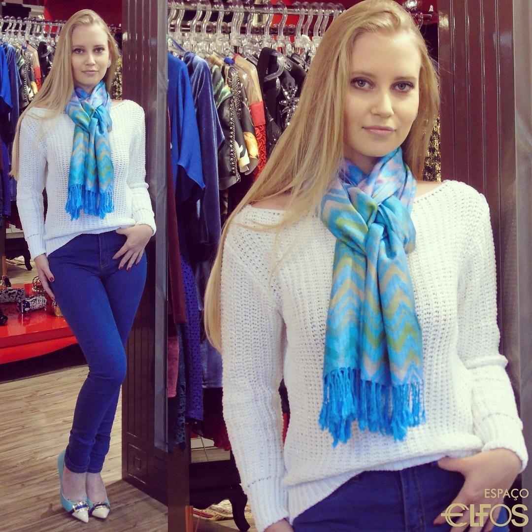 O #Inverno chegou! Que tal uma produção alegre com #tricot para essa segunda-feira? Whatsapp (54) 96130025 #EspaçoElfos #seuespaçoseuestilo #MorenaRosa #JorgeBischoff #Inverno2016 #blue #denim