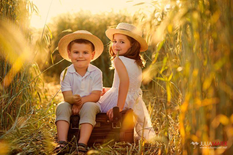 Cute sibs!  Julia Maier   Fotografin für Kinder und Familien   Blog