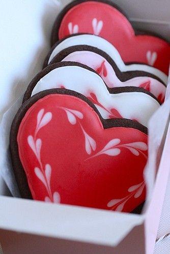 love heart cookies!
