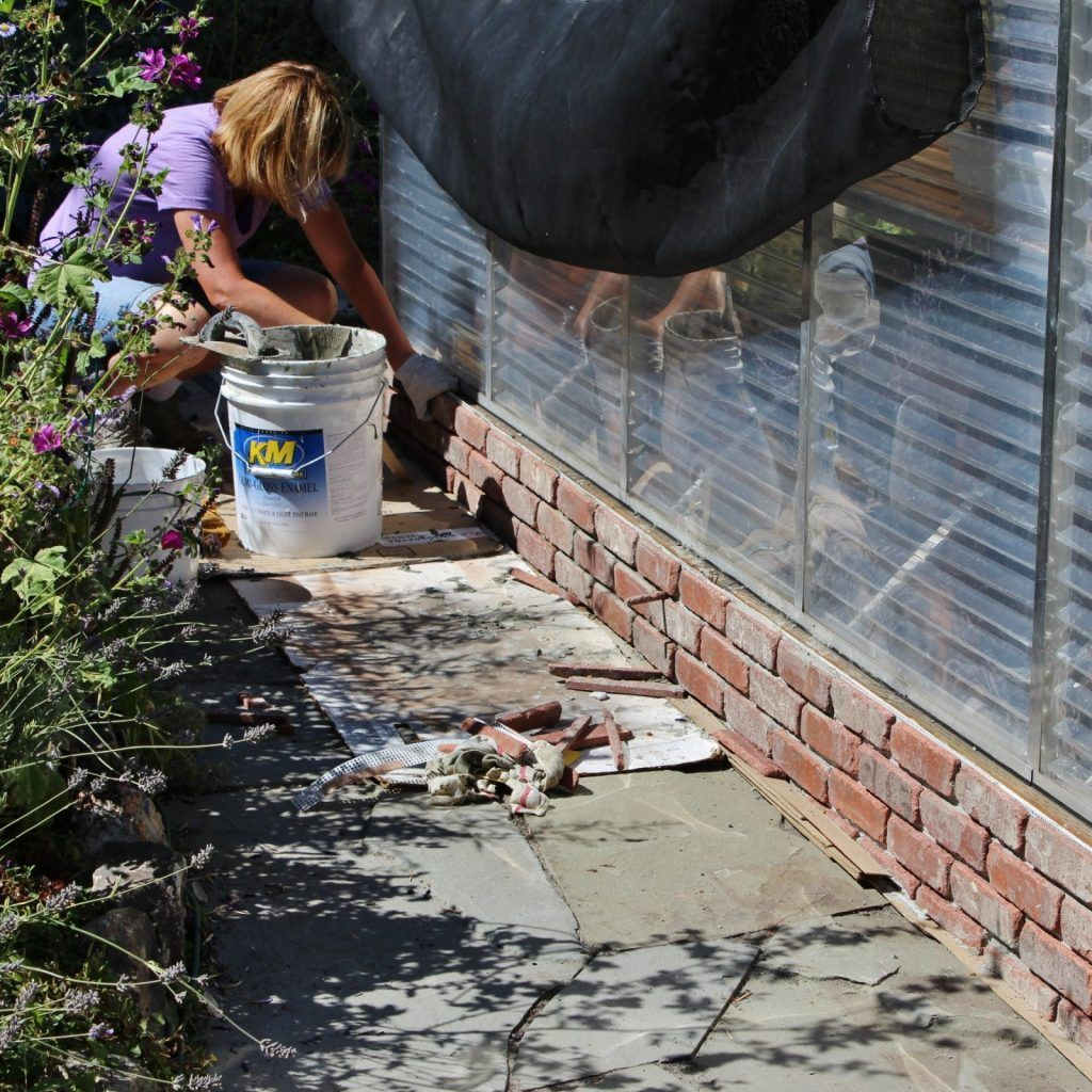 Use Thin Bricks And Mortar To Cover Up The Concrete Foundation Brick Porch Wall Exterior House Foundation