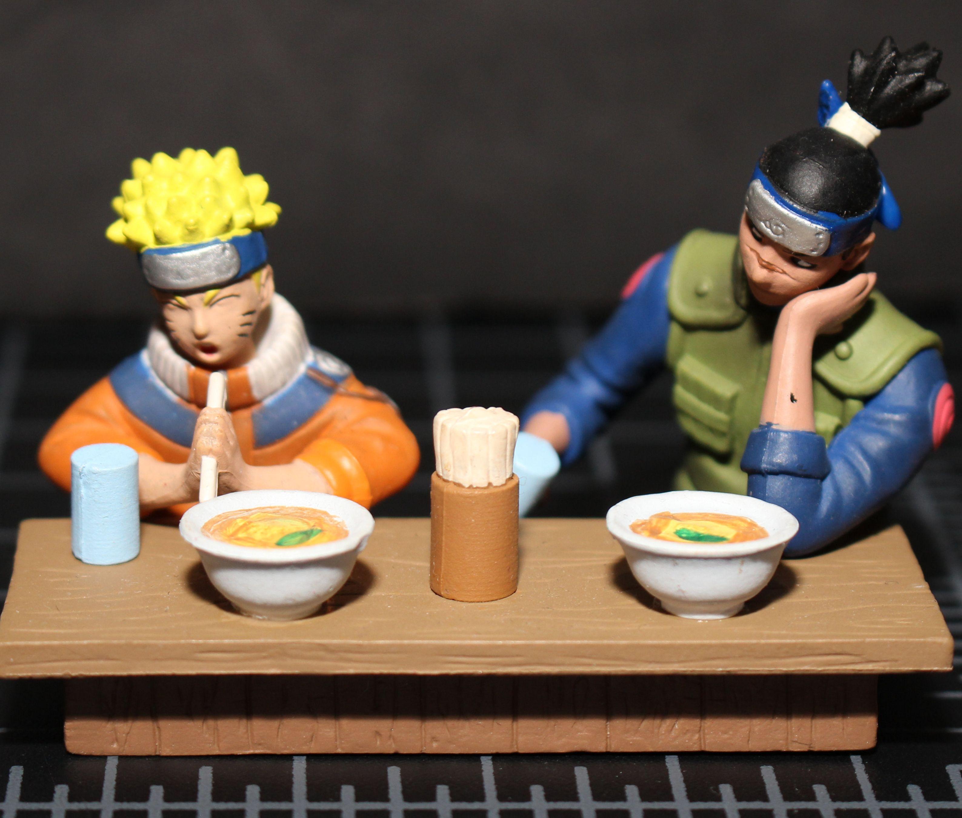 Naruto Uzimaki & Iruka Gashapon Ramen shop Diorama Bust