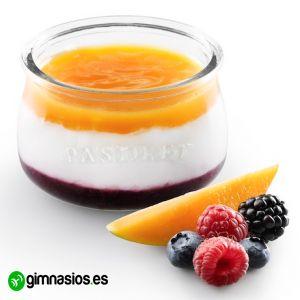 Quieres comer postres bajos en calorias? Encuentralos aqui: http://gimnasios.es/2013/12/postres-bajos-en-calorias/ #postres #calorias #yogurt #receta #sana