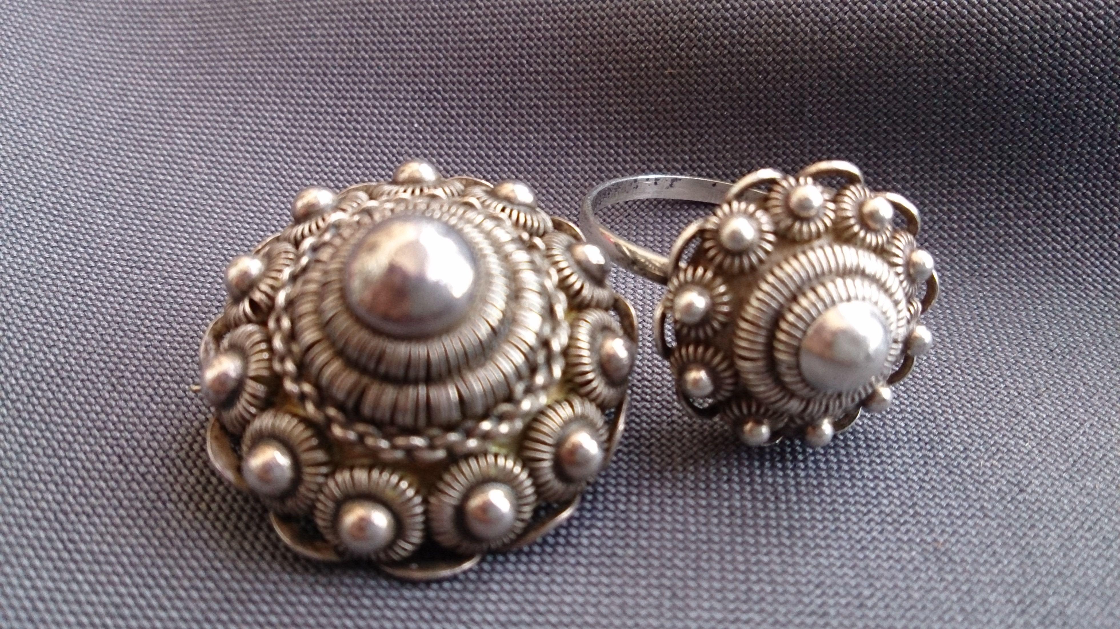 Antieke Zeeuwse broche en ring