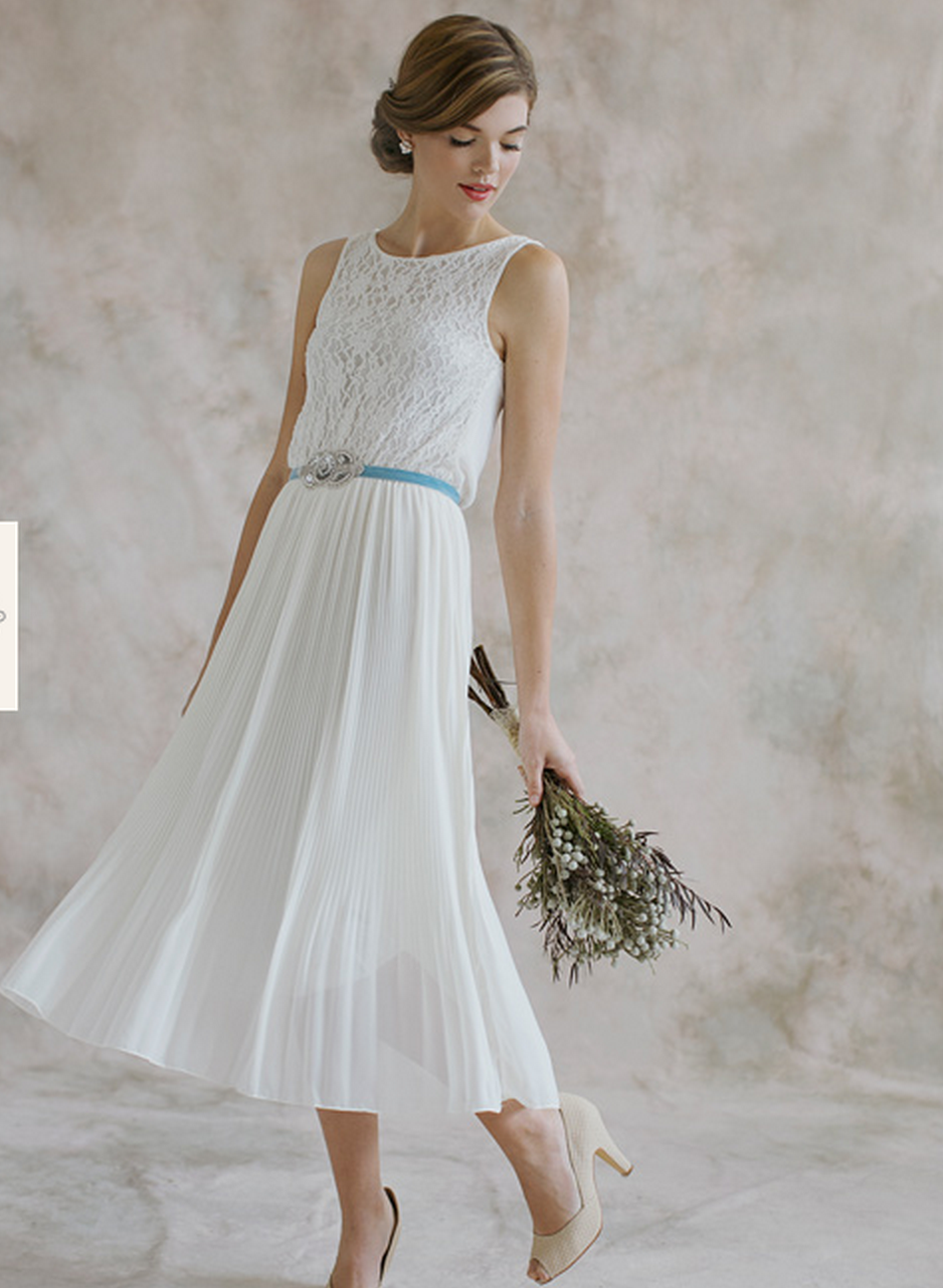 5d3aa447c8fc Advice for choosing dresses for a Second Wedding or Marriage. Find casual  and informal second wedding dresses and all the advice you could ever need.