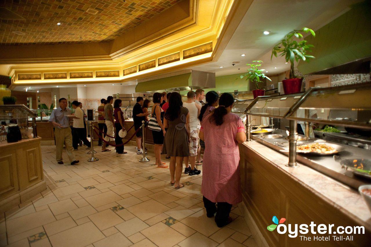the 8 best buffets in las vegas my wish list pinterest las rh in pinterest com