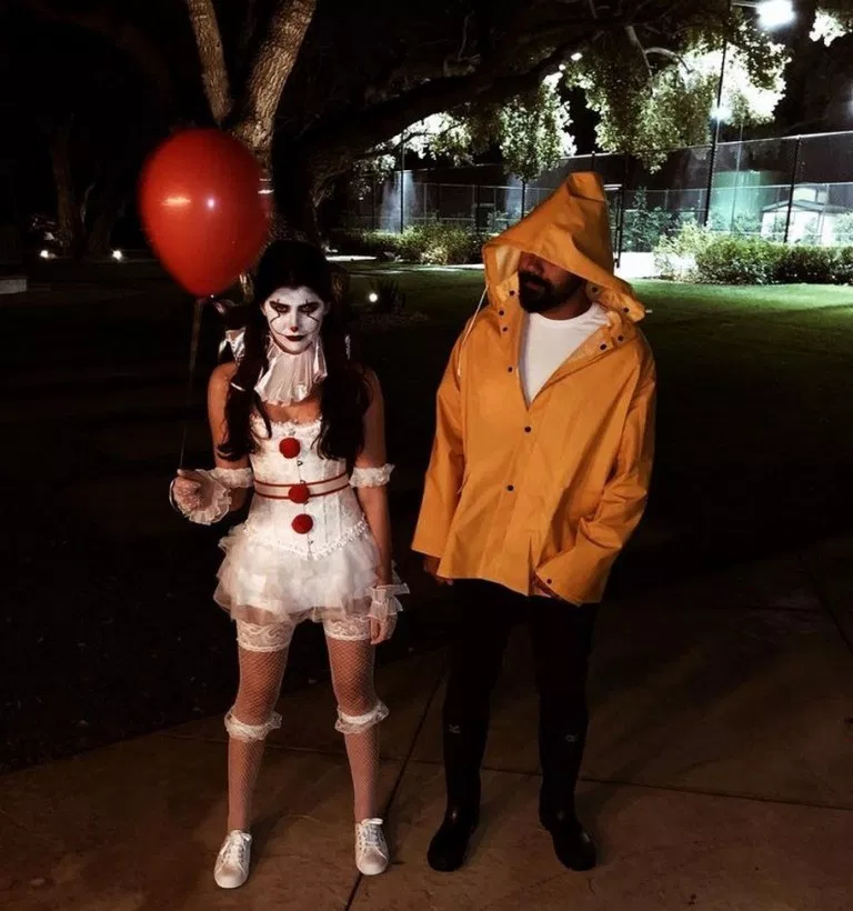 70 Genius Couples Halloween Costumes #couples #hallowen #costumhallowen ~ inspiration77.com #couplehalloweencostumes