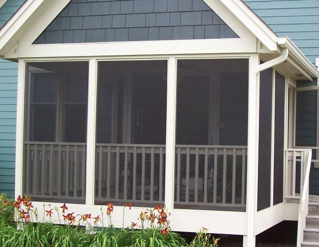 Awesome Idea To Dog Proof Our Screened In Patio. Screen On The Outside And Wood  Rails On The Inside