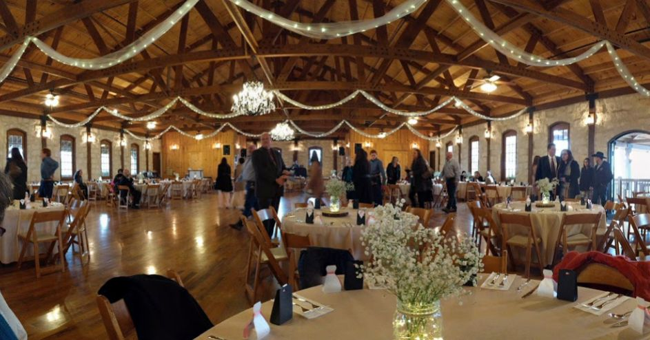 Find THE SPRINGS event venue in New Braunfels Wedding