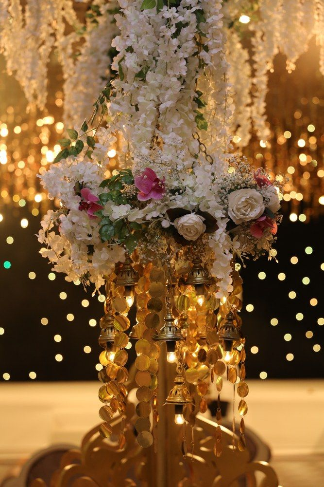 Flowers decoration for wedding and gala nights