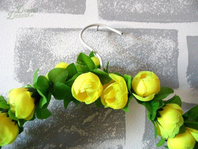 Una corona de flores para darle la bienvenida a la primavera