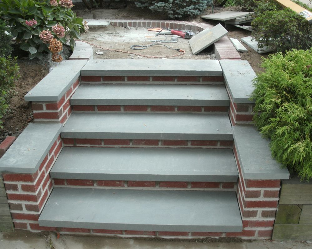 Bluestone steps patio brick flagstone patio with brick for How to build a brick house step by step pdf